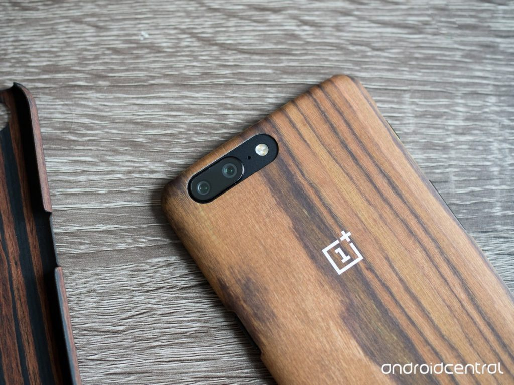 oneplus 5 wood case back 1024x768 - OnePlus 5 camera tips and tricks